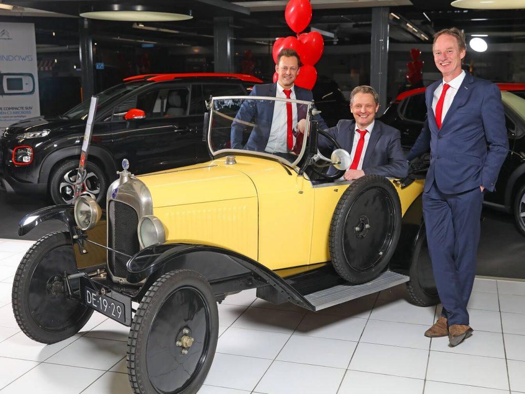 Het verkoopteam van DamsteAuto
